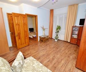 Квартира 2-х комнатная 4-х местная с кухней